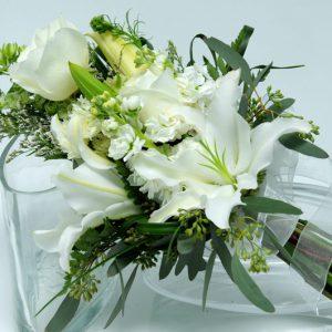 Two Rose Presentation Garden - White