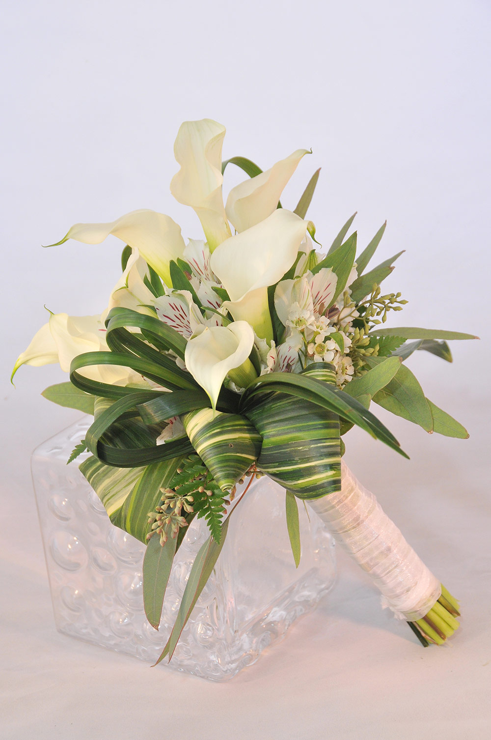 The White Mini Calla Lilly Bouquet Matching Lilly Boutonniere Vegas Wedding Flowers